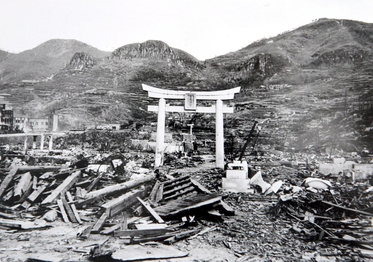 atomic-bombing-hiroshima-nagasaki-70-years